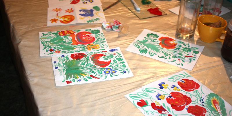 Веселкою петриківських кольорів світилася садиба «Сорочинська казка»